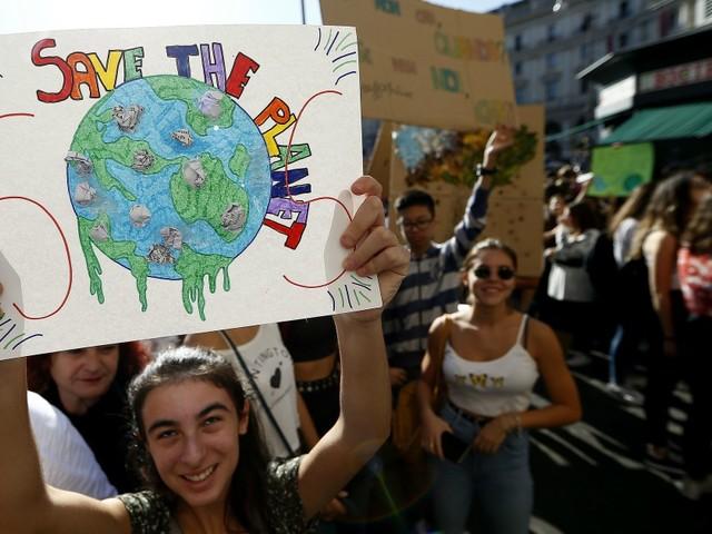 Clima, sei ragazzi portoghesi portano 33 Paesi in tribunale: una sfida da Davide contro Golia