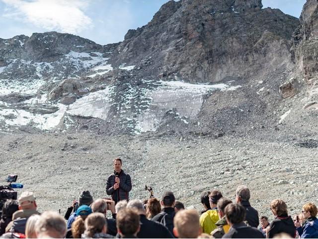 In Svizzera funerale per il ghiacciaio Pizol. Legambiente: requiem per i ghiacciai delle Alpi