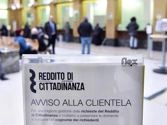 Reddito di cittadinanza, in Sicilia e Campania una card su tre