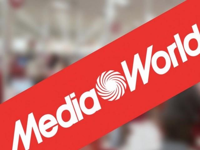 Fino all'8 dicembre il Red Friday di MediaWorld con offerte per Huawei, iPhone e Samsung Galaxy