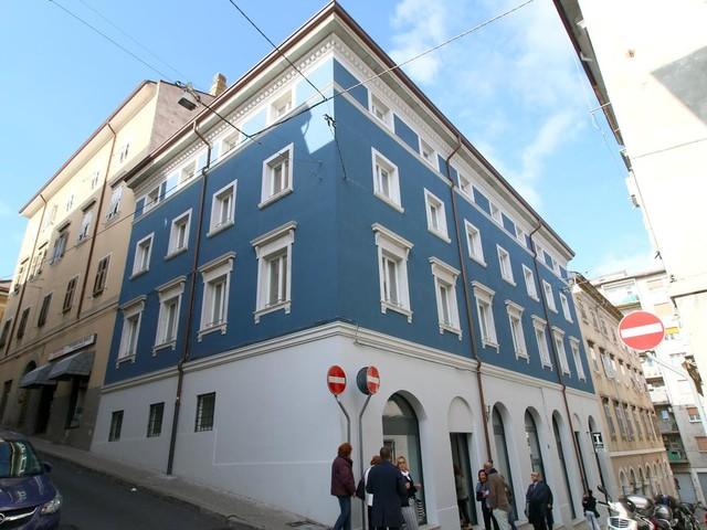 Sistemi hi-tech e cura dei dettagli: a San Giacomo si svela Casa blu