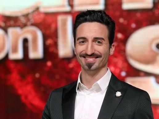 Samuel Peron torna a Ballando con le Stelle: ballerà con Vittoria Schisano al posto di Marco De Angelis