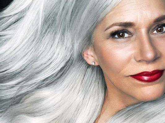Lo stress fa venire i capelli bianchi: vero o falso?