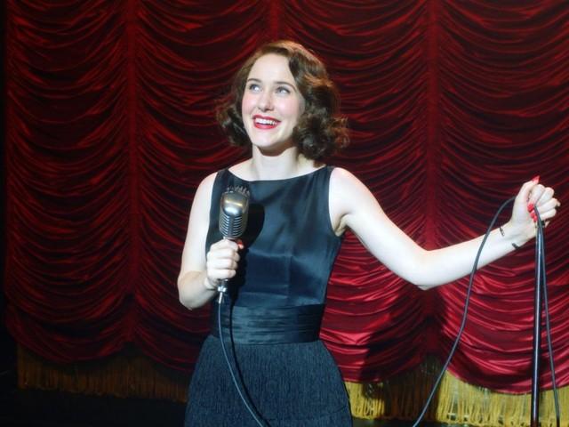 Torna The Marvelous Mrs. Maisel: dettagli, curiosità, impressioni sulla gloriosa terza stagione