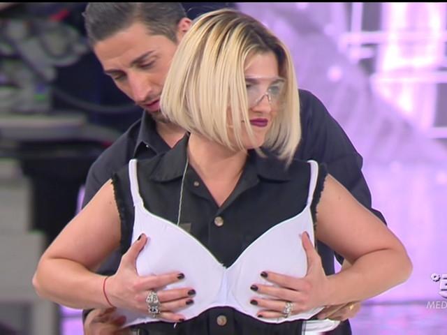 Ascolti: Amici 16-Serale a 3,7 milioni (19,82%), Eurovision Song Contest a 3,7 (20,14%), bene Ulisse e lo speciale di Verissimo