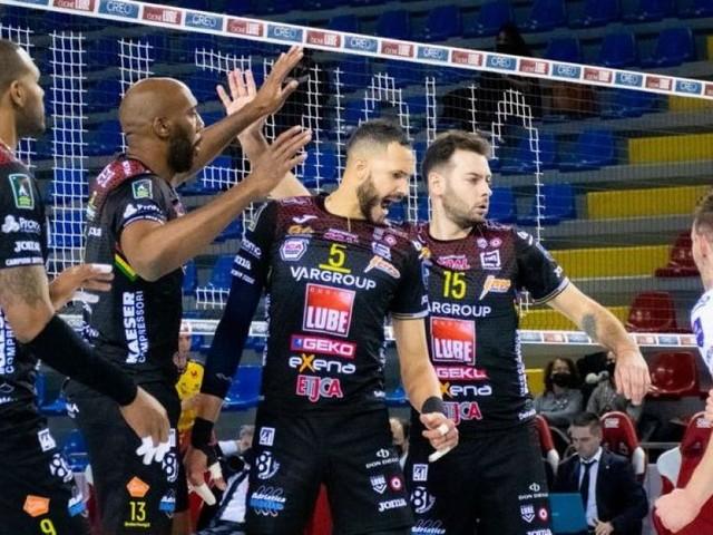 La Lube suda contro Modena, ma vince al tie-break: nel 2021 si conferma imbattuta