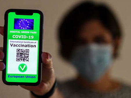Green pass nel Lazio, ecco il primo effetto: 170 mila persone prenotano la dose