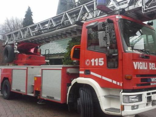 Bologna: squadra impegnata in uno sfratto, protesta dei sindacati Usb dei vigili del fuoco