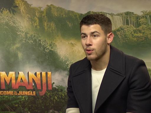 Jumanji – Benvenuti nella giungla: Nick Jonas ci racconta gli esilaranti dietro le quinte!