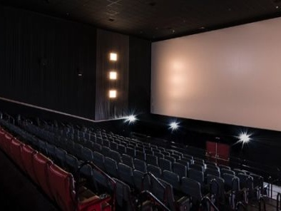 Cinema stop alla censura totale quote minime per opere UE e divieto ai minori di 6 anni