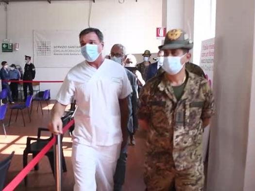 """Figliuolo in visita a Piacenza: """"Vaccinarsi e' un dovere morale e civico"""""""