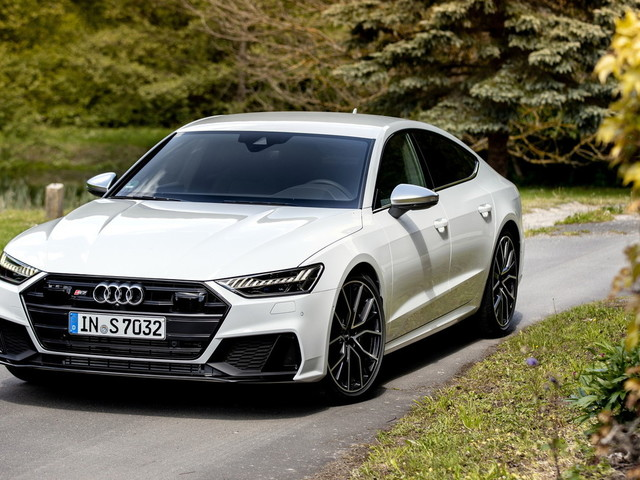 Sportback, lo sguardo irresistibile di Audi S7 e RS7