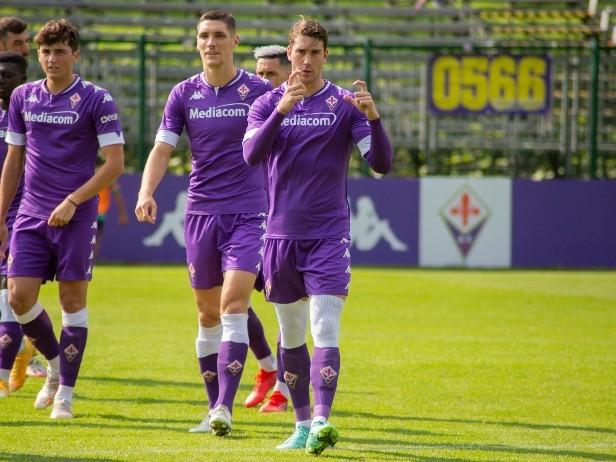 Fiorentina, 11 gol in amichevole a Moena: Vlahovic ne fa 7