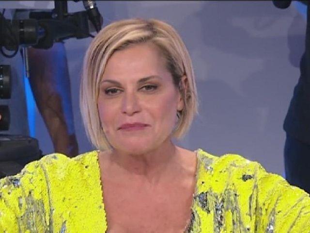 """Uomini e Donne caos, anche Simona Ventura si schiera. Fan: """"Non sai"""""""