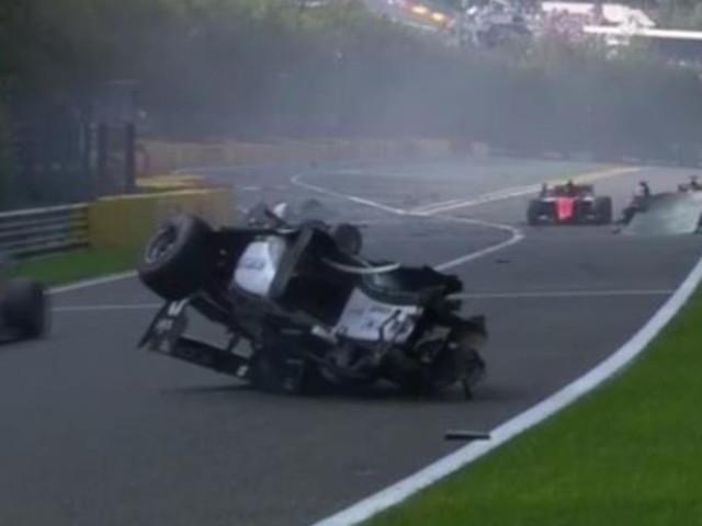 Formula 2: spaventoso incidente a Spa, tre auto coinvolte e gara cancellata