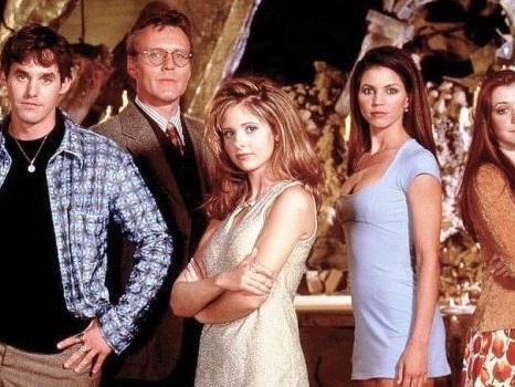 Buffy l'ammazzavampiri torna in tv, la serie cult di Joss Whedon dal 10 giugno su Spike: l'effetto nostalgia è servito