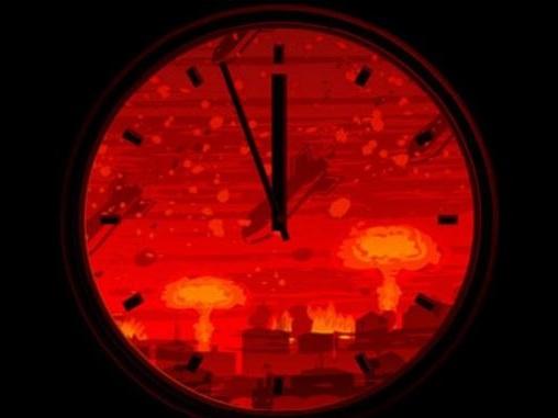 """L'Orologio dell'Apocalisse: domani gli scienziati sveleranno quanto manca alla """"fine del mondo"""""""