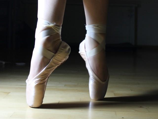 """Chi è Alessandra Celentano, maestra di danza classica di """"Amici""""."""