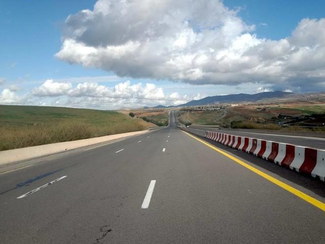 Meteo e traffico in autostrada: incidente in A1 tra mezzi pesanti, 10 km di coda