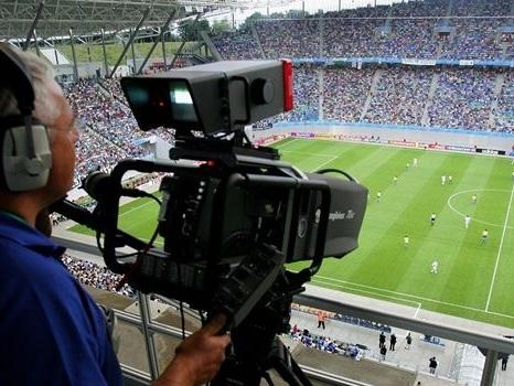 Diritti tv: la Lega Calcio brinda con 1,7 miliardi di euro