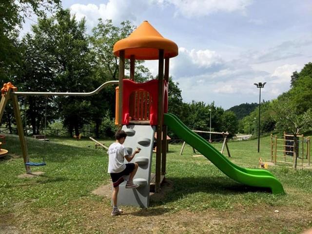 Roseto, la Croce Rossa Italiana dona parco giochi a Force