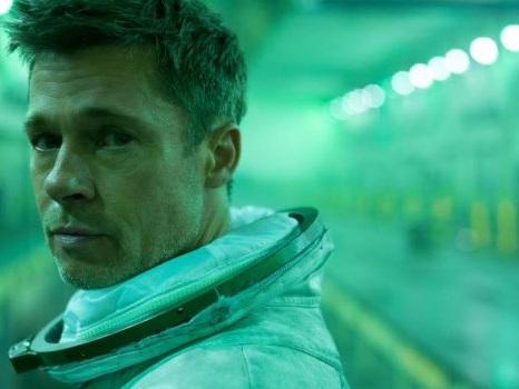 Ad Astra, Brad Pitt in un viaggio interstellare alla ricerca del padre e di sé stesso