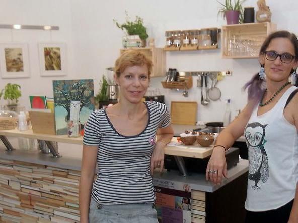 Libreria e caffetteria, l'idea di due mamme nel segno del green