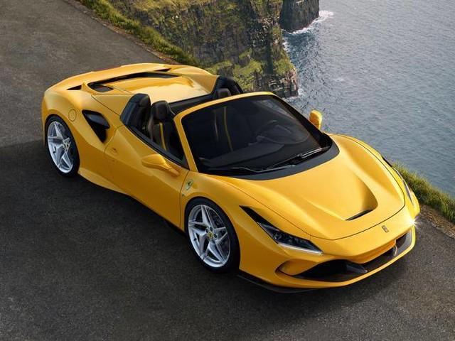 Due nuove Ferrari in un colpo solo: svelate a Maranello la 812 Gts e la F8 Spider