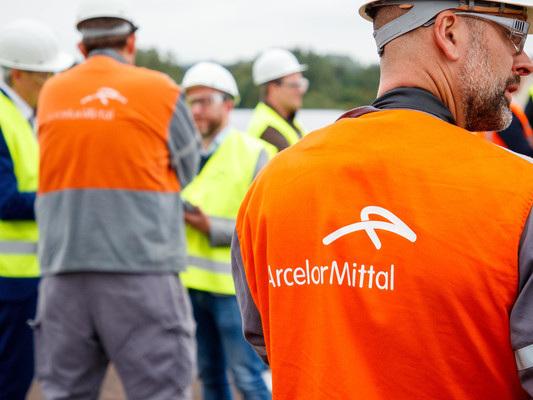 Il governo tratta con ArcelorMittal. Sindacati sul piede di guerra