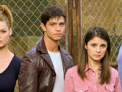 Si lavora a un reboot di Roswell, il teen drama sugli alieni torna in tv con nuovi protagonisti