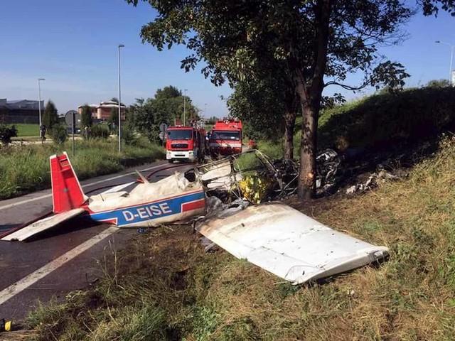 Bergamo, ultraleggero precipita in strada: muore una ragazza, gravi padre e sorelle
