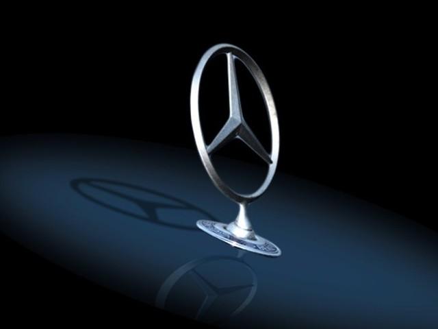 Daimler - Ricavi da record, utili in calo