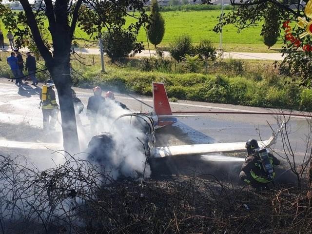 Bergamo, caduto ultraleggero nei pressi dell'aeroclub di Orio al Serio, un morto e tre feriti