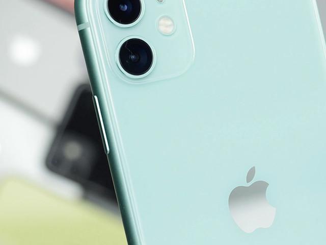 iPhone 5G: niente USB-C, Lightning nel 2021