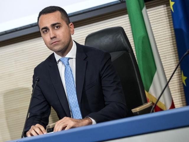 """Armi, l'ultimo bluff di Di Maio """"Stop ai contratti già firmati"""""""