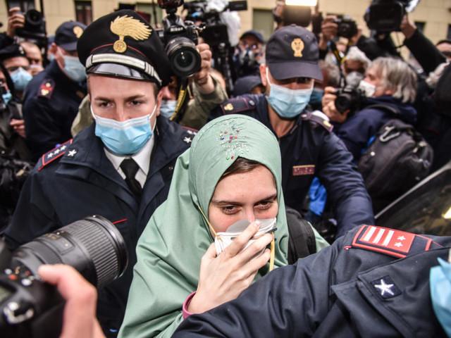 La Lega porta dentro la Camera l'odio contro Silvia Romano