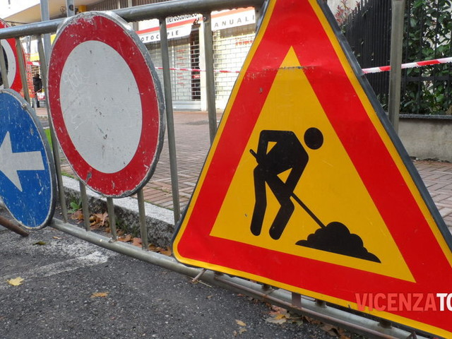 Lavori in corso tra viale D'Alviano e via Pajello, viabilità modificata