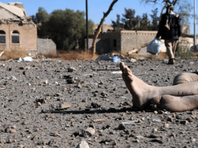 Picchiati, bruciati con l'acido e appesi al soffitto: il racconto dei prigionieri torturati dagli houthi in Yemen