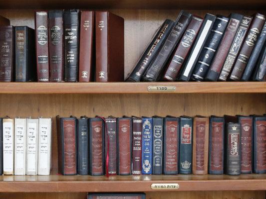 Sorpresa: le vecchie enciclopedie vendono ancora