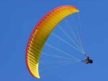 Scontro tra due paracadutisti in volo, tragedia a Vicenza: un morto e un ferito