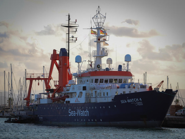 "La ""Santa alleanza"" delle Ong vara un'altra nave pro migranti"