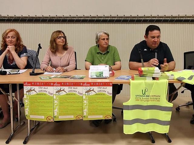Bassa Romagna, gli studenti diventano entomologi per combattere la zanzara tigre
