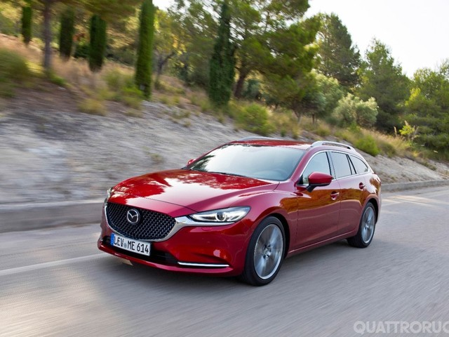Mazda 6 - Al volante della 2.5 benzina e della 2.2 diesel