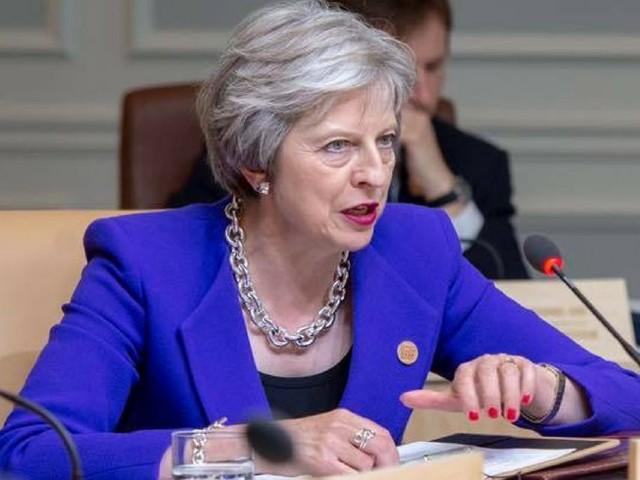 UE, Gran Bretagna al voto spaccata dalla Brexit: ore contate per la May
