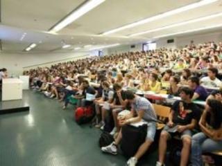 Diritto allo studio, in Calabria mancano 8 milioni di euro Le Università non hanno fondi sufficienti per le borse di studio