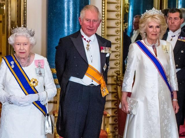 'E' una donna malvagia': ecco perché la Regina Elisabetta non voleva accettare Camilla Parker Bowles