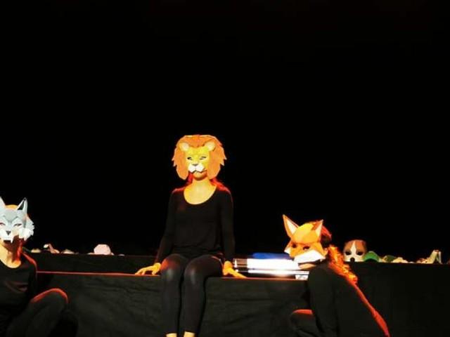 """Macerata, grande successo in Francia per gli studenti del Linguistico """"Leopardi"""" con la loro rappresentazione teatrale (FOTO)"""