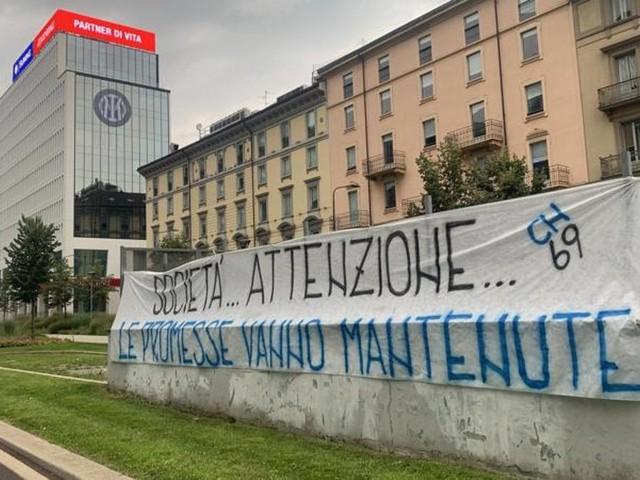 """Lukaku al Chelsea? I tifosi dell'Inter in rivolta: """"Le promesse vanno mantenute"""""""