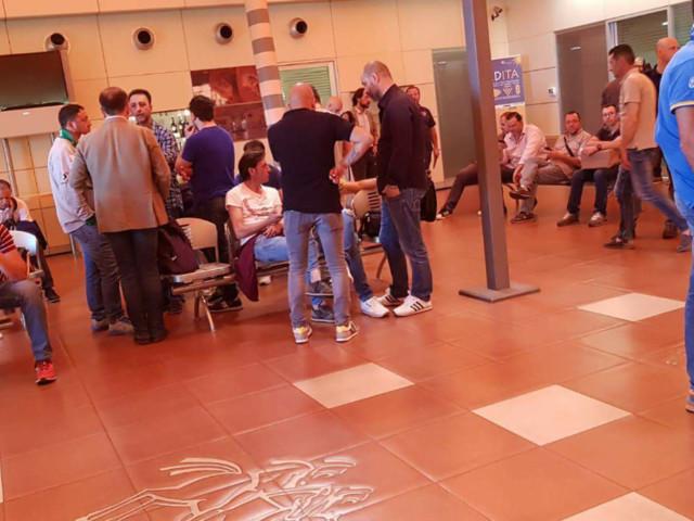 """Ilva di Taranto: confronto sindacati-parlamentari del territorio (tutti M5S) che """"non hanno pronunciato la parola chiusura"""" I grillini, stando anche a quanto pubblicato dal blog del movimento, sono invece per la chiusura. Lo conferma Fioramonti. Qual è la versione giusta?"""