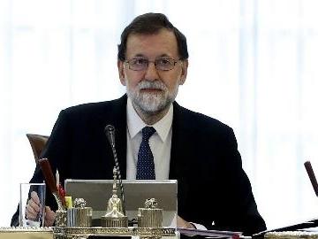 Rajoy, destituzione Puigdemont e Govern